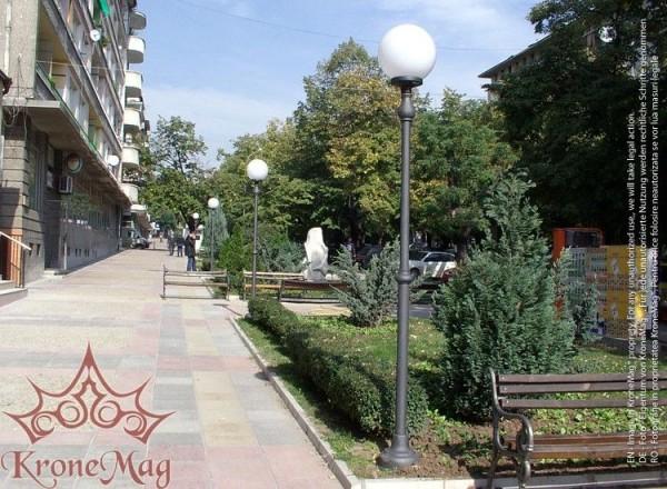 Köztéri Parki Fém - Öntöttvas Lámpaoszlop Kandeláber M1302